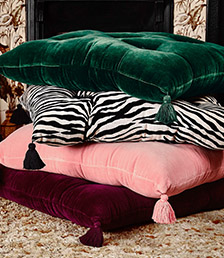 FLOOR CUSHIONS & BEANBAGS